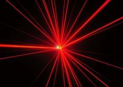 Changer la couleur des yeux au laser est trop dangereux !