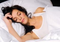 Ortho-K : Dormir avec des lentilles pour mieux voir le jour !