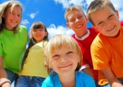 Les lentilles de couleur bientôt interdites aux moins de 18 ans ?