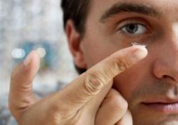 Que pensent les ophtalmologistes des lentilles de couleur ?