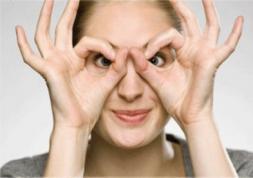 Presbytie : lunettes ou lentilles ?