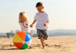 Vue de l'enfant : Les jeux en plein air préviennent la myopie !