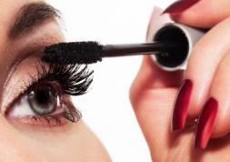 Lentilles de couleur et maquillage : témoignage vidéo