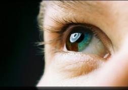 Changer la couleur des yeux grâce aux lentilles