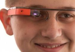 Un traducteur instantané intégré aux lunettes Google Glasses ?