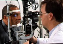 Les ophtalmos sonnent l'alerte mais ignorent les optométristes !