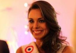 Les déboires de Miss France 2013 avec ses lentilles de contact…