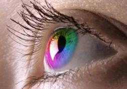 Conférence sur les applications médicales des lentilles colorées
