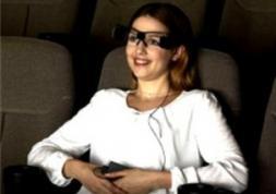 Le cinéma à Paris teste des lunettes à réalité augmentée pour sourds