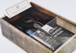 Lunettes en fût de chêne : 100 coffrets avec le vin offert !