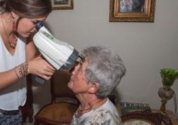 Défauts visuels: Plus d'un tiers de personnes âgées mal suivies