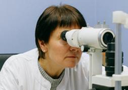Des nodules dans les yeux causés par le Covid 19