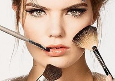 Le maquillage permanent : idéal pour les porteuses de lentilles !