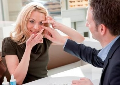 Les ophtalmologistes adaptateurs de lentilles de contact en congrès