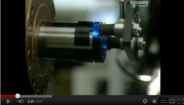 Vidéo: Comment c'est fait une lentille de contact ?