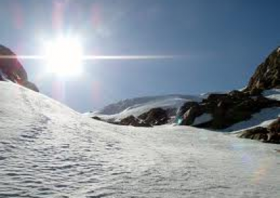 UV en montagne : les lentilles de contact sont insuffisantes