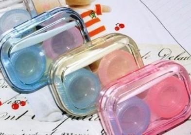 Etui à lentilles et hygiène : 4 méthodes testées