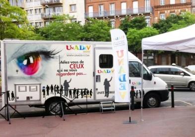 Le bus de dépistage gratuit du glaucome arrive en Bretagne