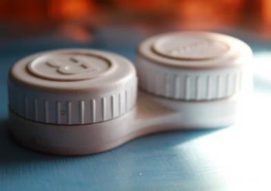 Etuis à lentilles contaminés: un phénomène bien trop répandu