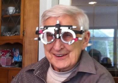 Lunettes à domicile : Un opticien itinérant au service des seniors