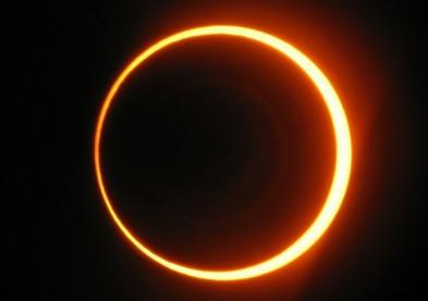 Vidéo : La preuve que l'éclipse n'était pas un complot commercial !