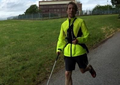 Un sportif aveugle parcoure 26 km grâce à une application smartphone !